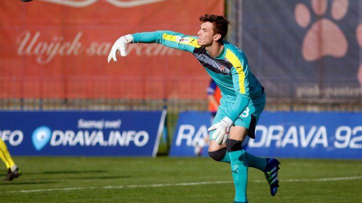 Dinamov golman umjesto u Chelseaju završio u Lokomotivi