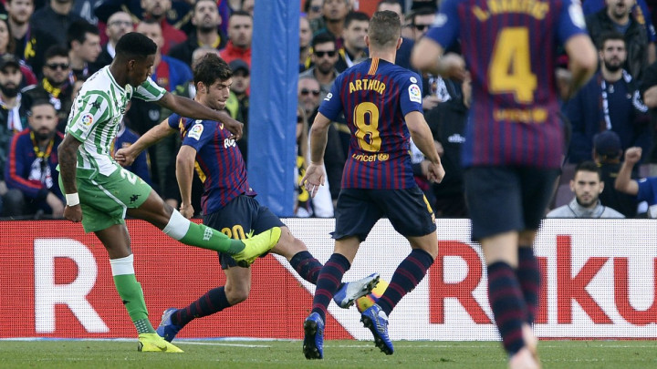 Počeli pregovori Barcelone i Betisa oko transfera Firpa, Katalonci poslali prvu ponudu, ali...