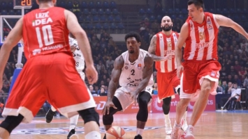 Bjelica uništio Partizan, Zvezda stotkom do pobjede
