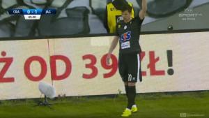 Srbijanski nogometaš je predmet ismijavanja zbog katastrofalno izvedenog slobodnog udarca