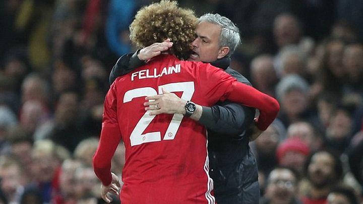 Manchester United nagrađuje Fellainija