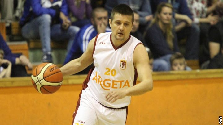 Vasiljević: Uz podršku navijača nadamo se finalu