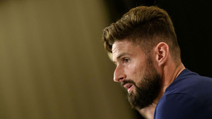 Giroud nije želio transfer u klub koji je stvorio Karima Benzemu