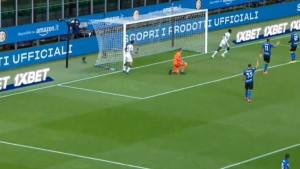 Šokantan početak sezone na Meazzi: Igrači Intera dizali ruke, protivnik zabijao gol