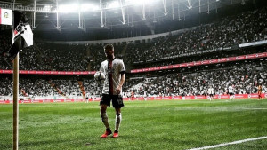 Je li Pjanić najveća zvijezda u Turskoj? Igrači su jučer doslovno buljili u njega