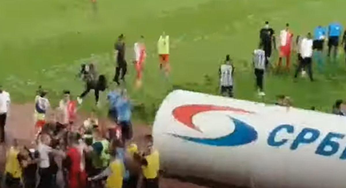 Tuča po završetku meča Vojvodina - Partizan