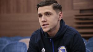 Muhamed Bešić: Ne pamtim bolju atmosferu, kod Robija pričamo na terenu