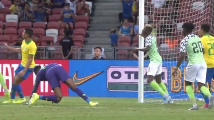Teška povreda golmana Nigerije na meču protiv Brazila