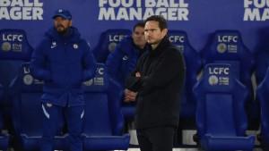 Navijači traže da jedan transparent ostane na tribinama iako je Lampard dobio otkaz