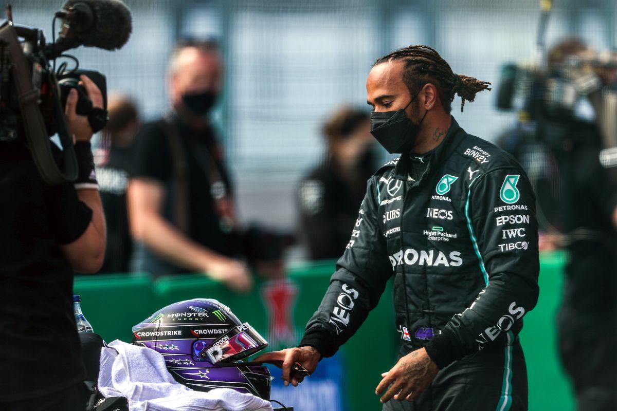 """Rosberg """"bacio sol na ranu"""" Hamiltonu"""