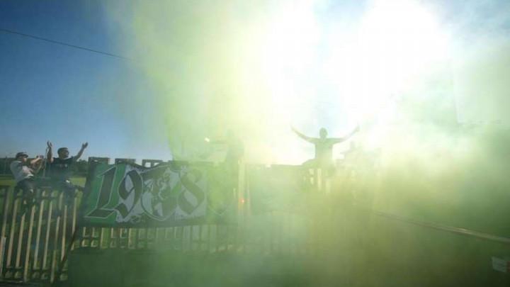 Na meču Domžale - Olimpija osvanuo zanimljiv transparent