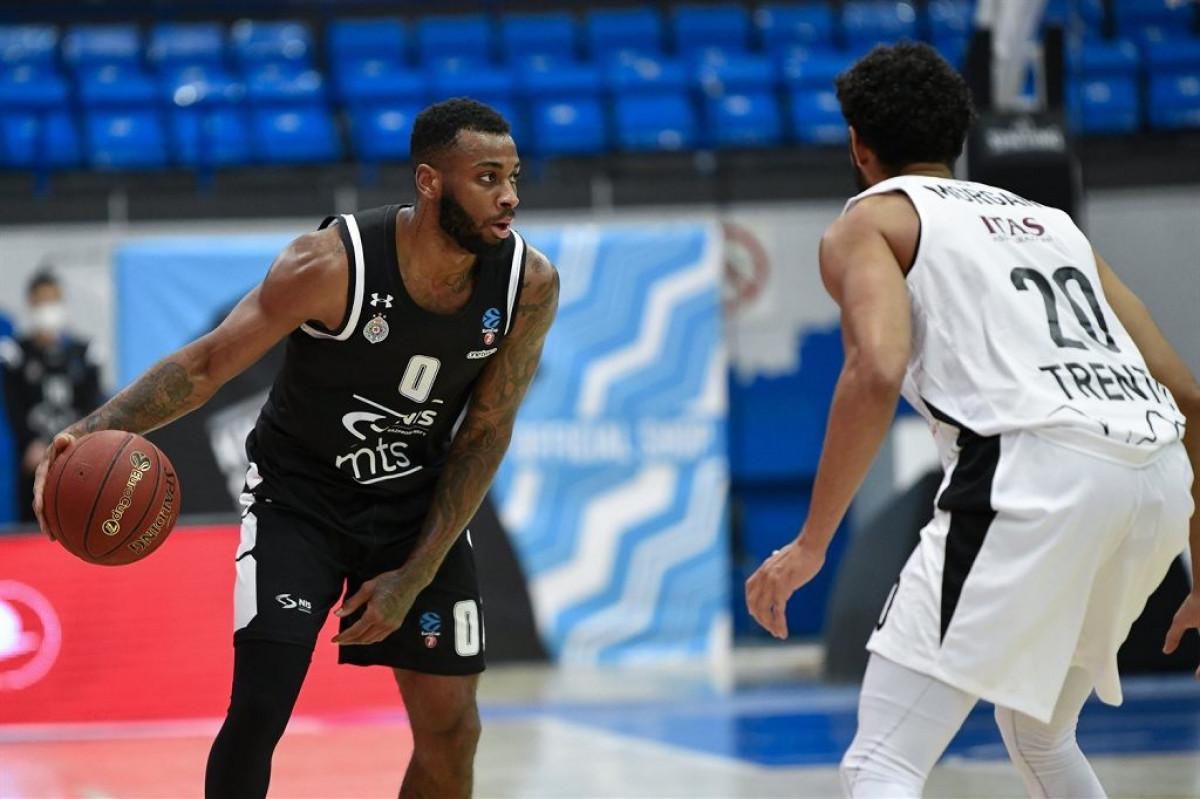 Partizan deklasirao Trento na otvaranju Top 16 faze Eurocupa