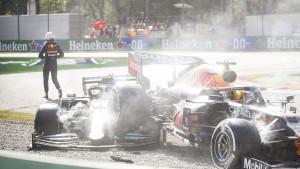 """Verstappen se nije izvukao: Stigla je kazna zbog """"nasrtaja"""" na Hamiltona"""
