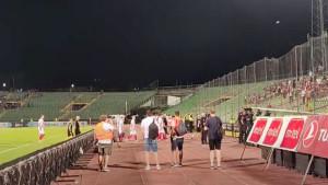 Letjele su čaše, stolice... Kako su ispraćeni igrači Sarajeva sa Koševa