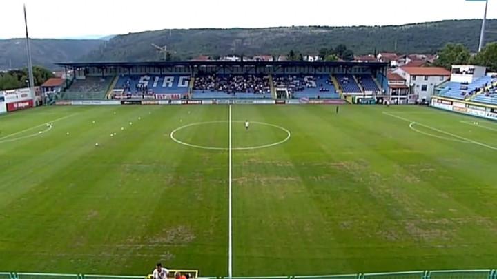Ultrasi skandiraju: Hoćemo stadion!