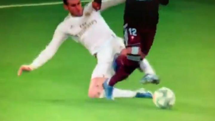 Divljački start Balea nad Rafinhom: Nikome nije jasno kako nije dobio crveni karton