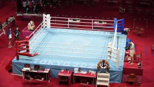 Aliev divljao po ringu, pa sjeo na ivicu i započeo proteste