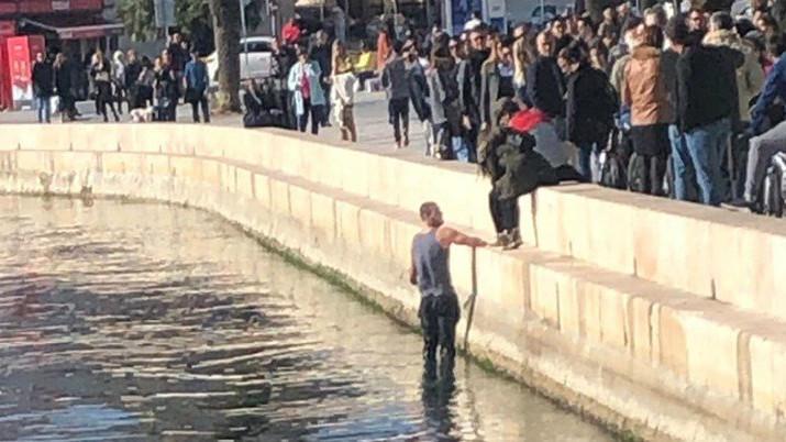 U Splitu napadnuti igrači Crvene zvezde, jedan skočio u more