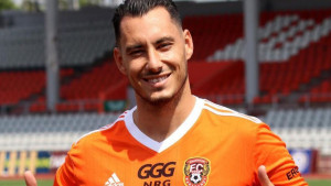 Edin Rustemović se mjesec dana nakon odlaska iz Tuzle skrasio u novom klubu