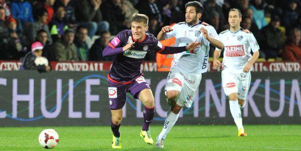 Pobjeda Austrije, Dilaveru 90 minuta, Hamziću crveni karton