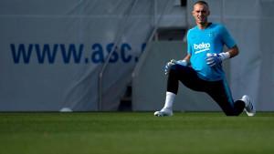 Cillessen razočaran: Barcelona mi ne pomaže postavljenom cijenom!