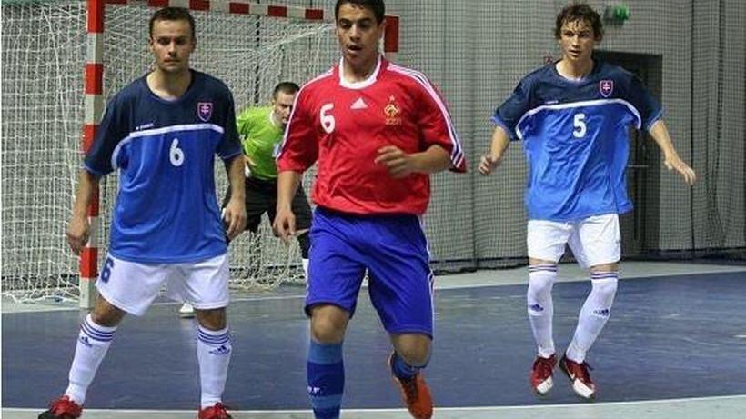 Sinoć debitovao za Francusku, a igrao za futsal reprezentaciju