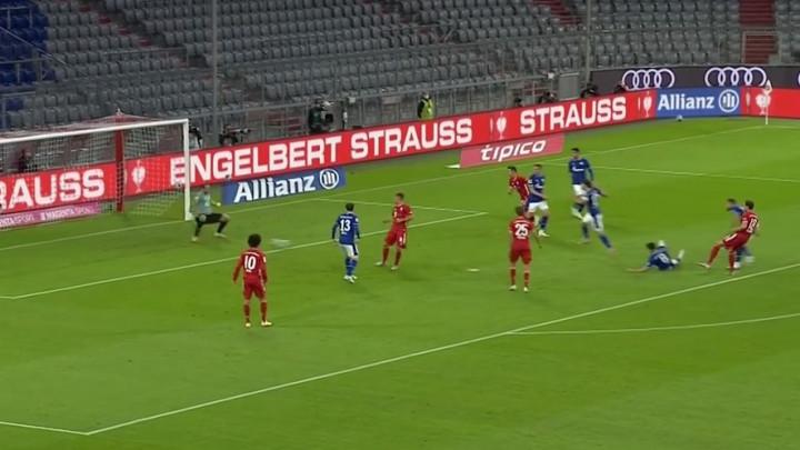 Ne sluti na dobro za goste: Bayern se poigrava sa nesretnim Schalkeom