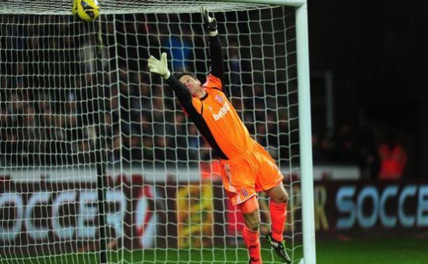 Begović razgovarao sa Hughesom: Moguć ostanak u Stokeu
