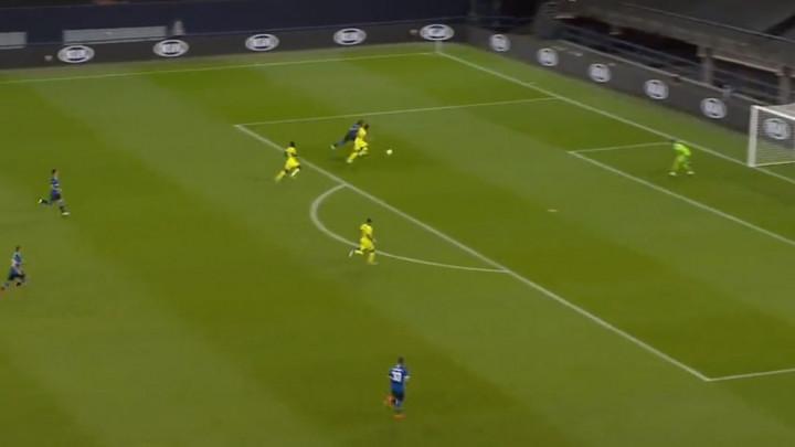 Da bi neko postigao ovakav gol u svijetu fudbala mora da bude jak kao stijena, a to je Lukaku!