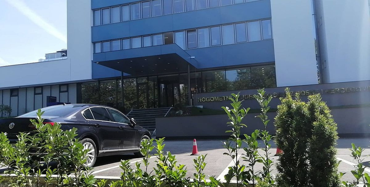 Izvršni odbor pružio podršku selektoru: Prosinečki ostaje na klupi Zmajeva?