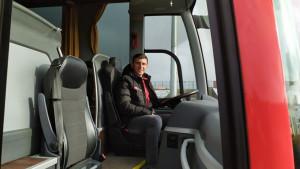 Originalno: Bh. trener održao presicu u - autobusu