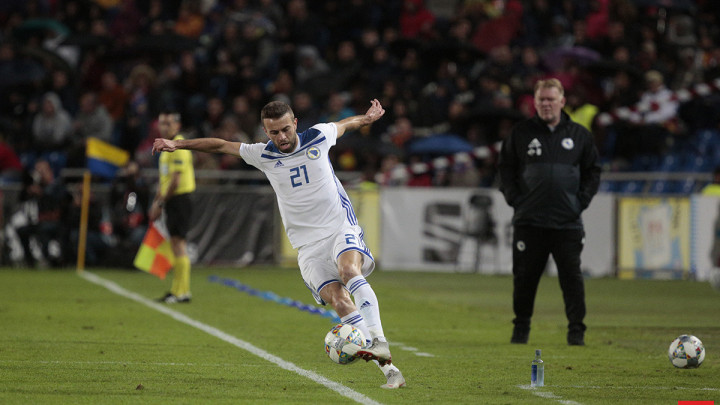 Elvis Sarić novi igrač Al Ahlija