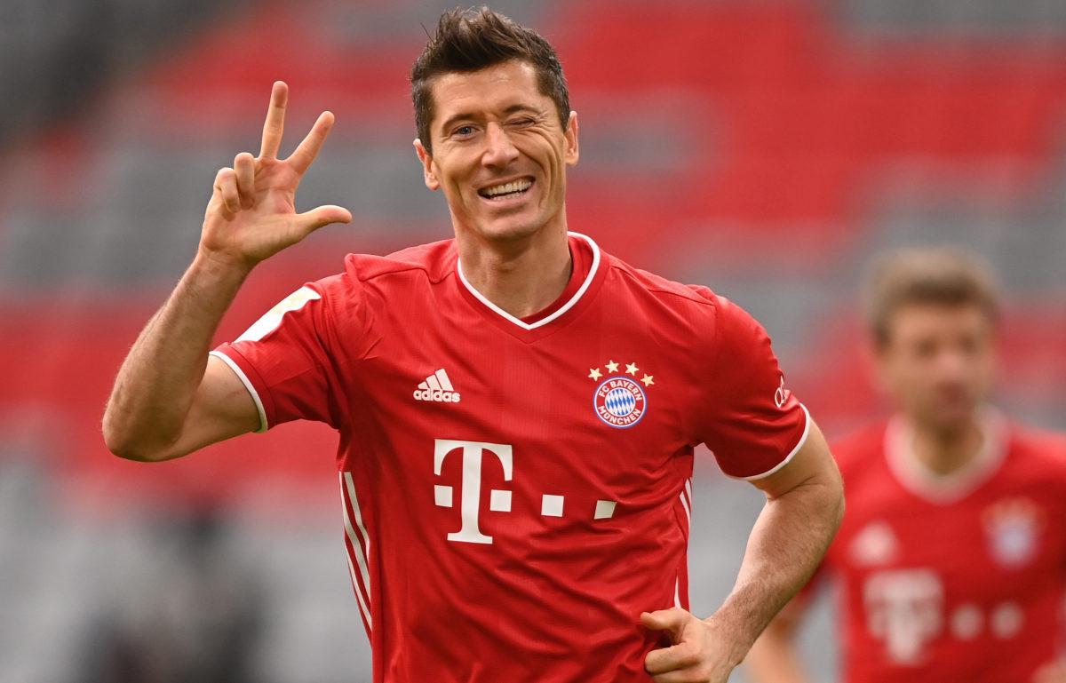 Hat-trick Lewandowskog i teška povreda Daviesa u pobjedi Bayerna