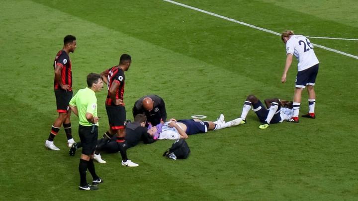 Stoper Evertona doživio frakturu lobanje