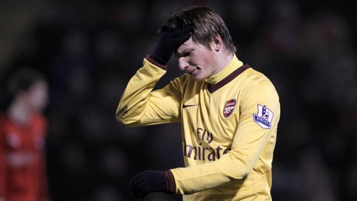 Arshavin: Ozila ne vidim još dugo u Arsenalu, usporava igru