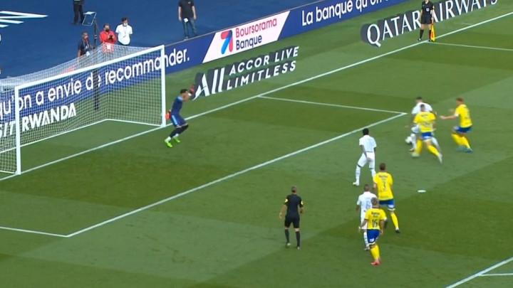 Neymar i Icardi ponižavaju nesretne protivnike: Brazilac dodao loptu s penala