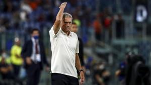 Mourinho ponizio petoricu fudbalera pred derbi protiv Napolija