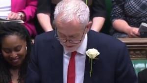 Komedija u parlamentu zbog Redsa: Možda premijerka da pita Kloppa kako uspjeti u Evropi?