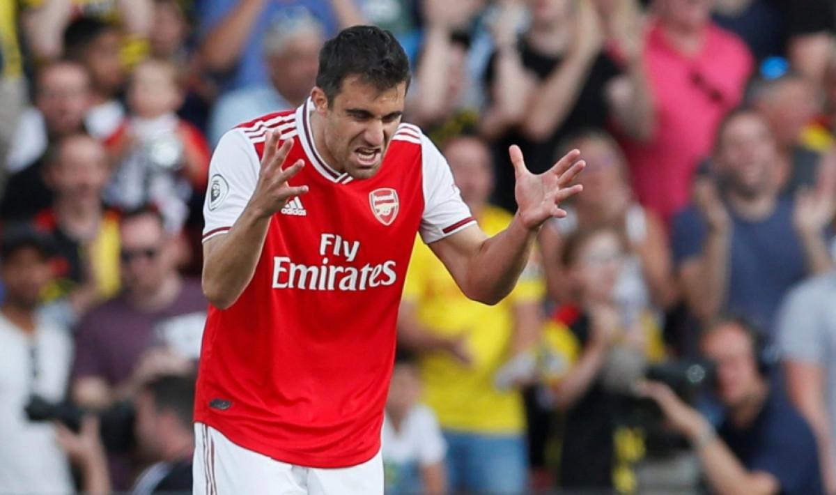 Arsenal Liverpoolu ponudio štopera