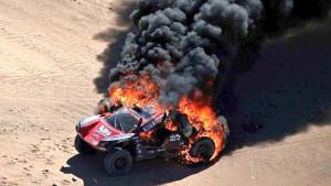 Spektakularan, ali i okrutan požar obilježio etapu relija Dakar u Saudijskoj Arabiji
