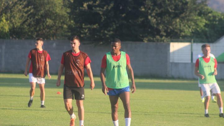 FK Igman vrijedno trenira na stadionu FK Bjelopoljac