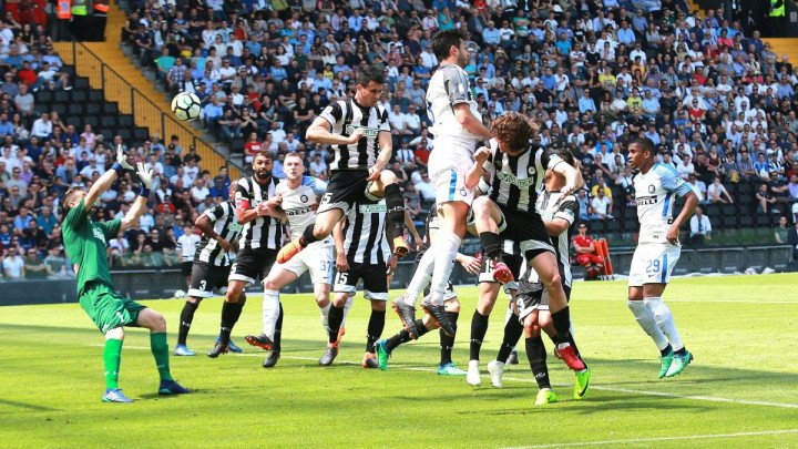 Inter pregazio Udinese i ostao u trci za Ligu prvaka