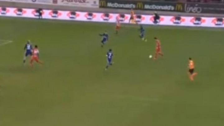 Kad je neko majstor: Crnogorac postigao gol o kojem će se dugo pričati