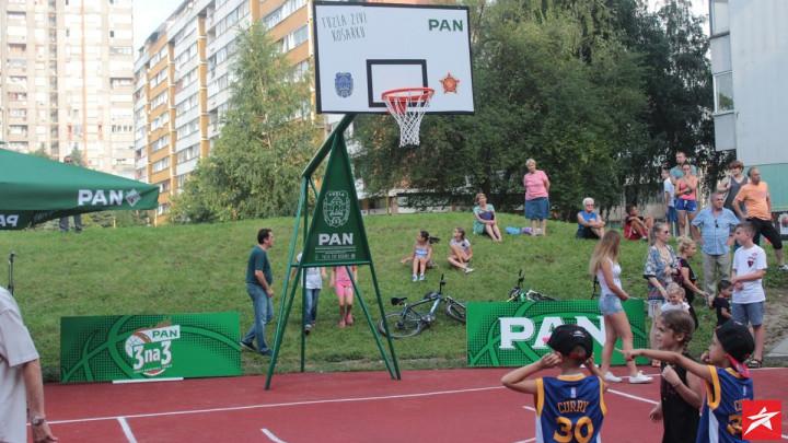 Tuzla: Obnovljen kultni basket teren na Slatini