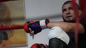 Veliki je to borac da bi odustao: Khabib se vratio treninzima nakon smrti oca