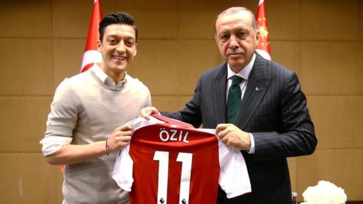 Ozil sprema neočekivan transfer, šta će na sve reći Erdogan?