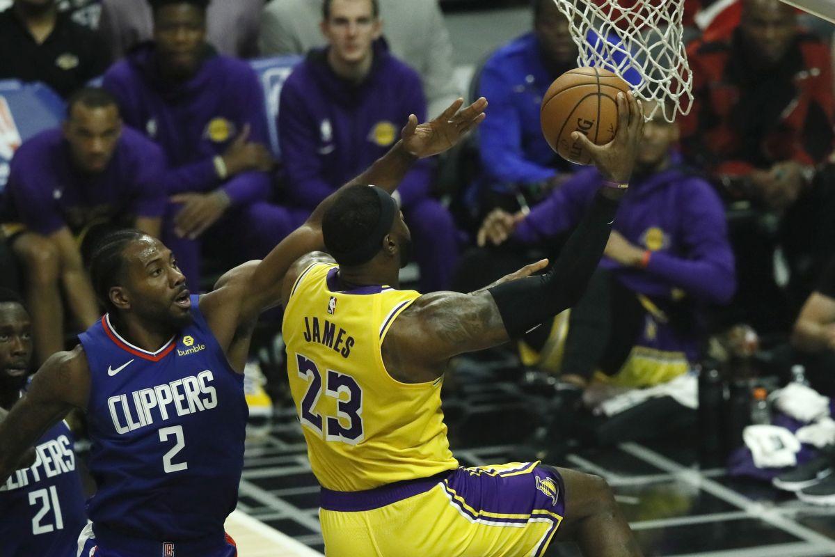 Spektakl na otvaranju nove NBA sezone: Leonard srušio Lakerse, šampioni slavili nakon produžetka