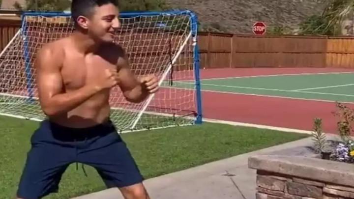 Mladom Amerikancu predviđaju veliku boksersku karijeru, ali njegov metod treniranja je baš čudan