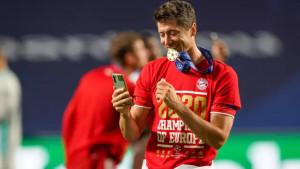 """Lewandowski je objavio do kada planira da igra, mnogi smatraju da """"ni sam ne zna šta govori"""""""