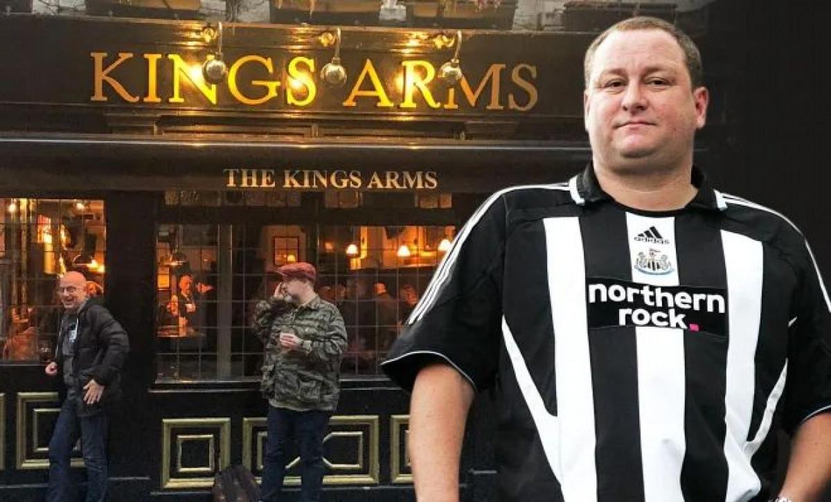 Prodao Newcastle za 300 miliona funti, a u pubu se osramotio kao niko kad je dao bakšiš konobarici